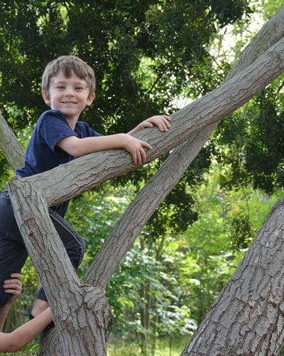 Five Benefits of a Nature Walk with Your Kids