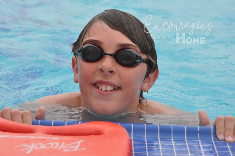 Boy at pool side. Twenty tips for moms at the pool