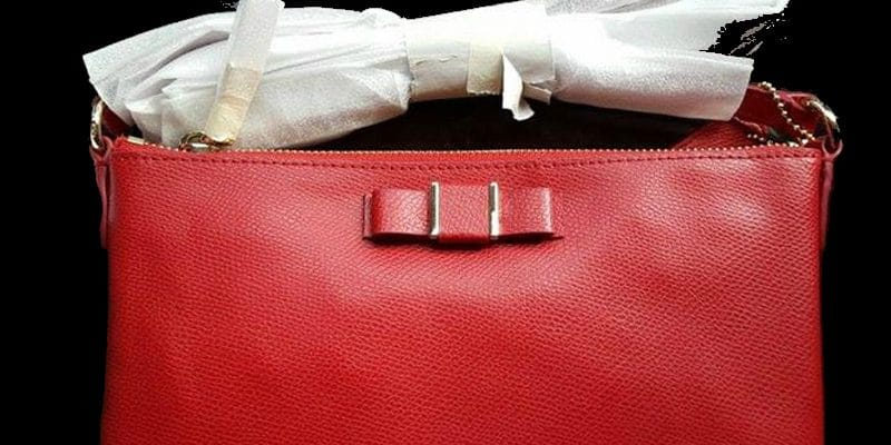10 Ways to Keep your Purse Clean
