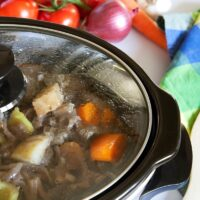 Choose Your Slow Cooker: Six Reviews and Opinions