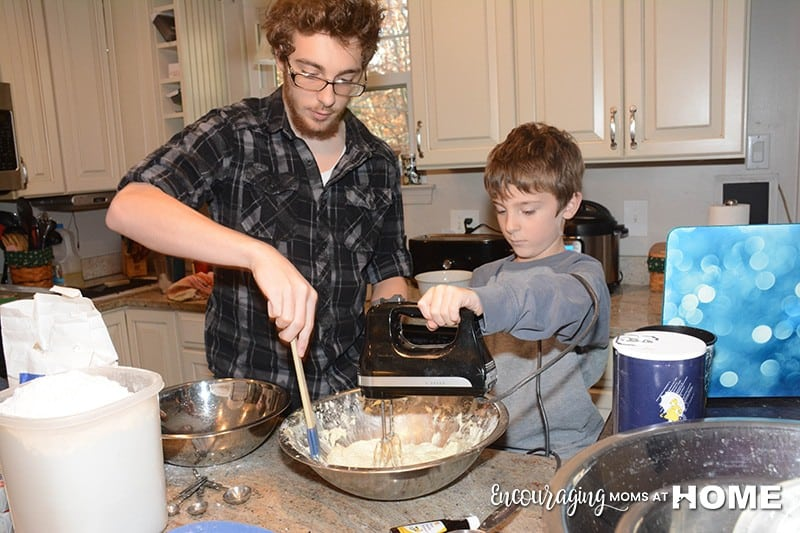Family Friendly Cookie Recipes - Making cookies with the kids.