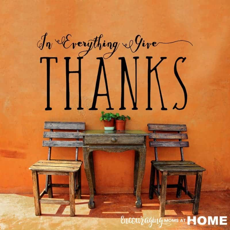 In Everything Give Thanks Wall art made with Cricut Vinyl