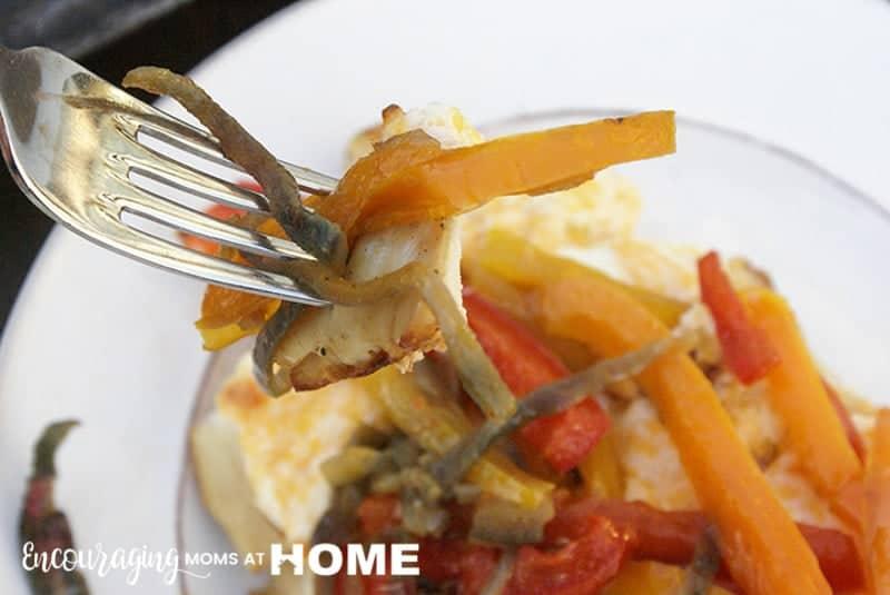 Take a bite of these Trim Healthy Mama Chicken Fajita Dish!