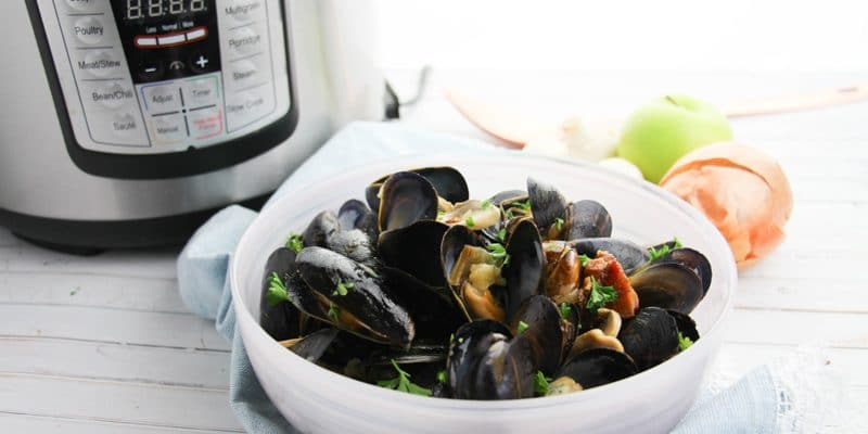 Instant Pot Pressure Cooker Mussels Recipe with Apple and Bacon