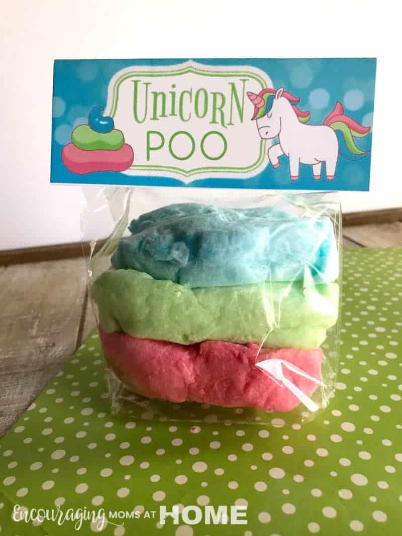 Unicorn Treat bags! Perfect for birthday party or valentines day, our unicorn party bags are the perfect unicorn treat for your fan! These make awesome unicorn birthday party favors! Includes two versions: toots and poo.